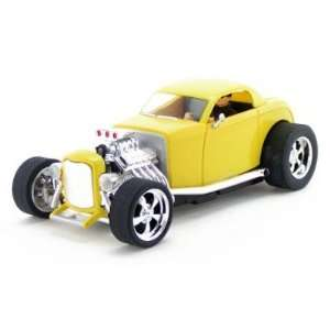 32 1932 Ford Hotrod High Performance Slot Car   Yellow Toys & Games