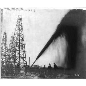 Oil gusher,Port Arthur,Texas,TX,Jefferson County,c1901