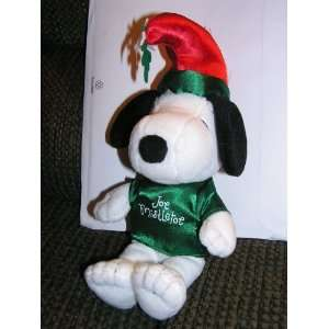 Snoopy Joe Mistletoe Bean Bag Doll with Kissing Sound: Toys & Games
