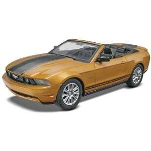 Revell Monogram 1/25 2010 Ford Mustang Convertible Plastic Model Snap