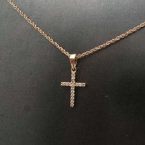 14K ROSE PINK GOLD SMALL DIAMOND CROSS PENDANT NECKLACE