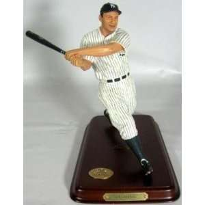 Authentic New York Yankees Lou Gehrig Figurine Certified   MLB Figures