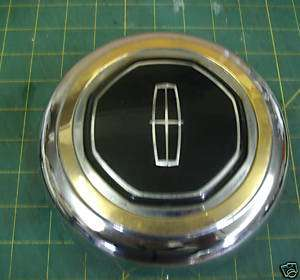 1994 97 LINCOLN TOWN CAR WHEEL CENTER CAP, GOLD TRIM