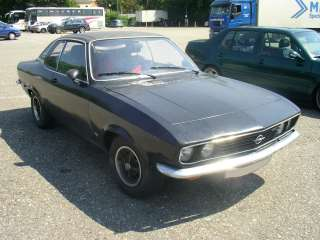 http://upload.wikimedia.org/wikipedia/commons/f/f5/Opel_Manta_A_Front