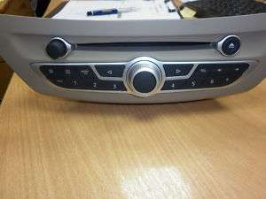 RENAULT LAGUNA 3 NEW SHAPE RADIO CD PLAYER (NEW)