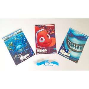 Set of Collectible 2 Finding Nemo Postcards and 1 Brochure (Walt